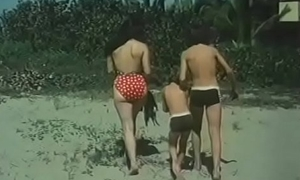 Desnudos en unfriendliness playa - Playa prohibida (1985)