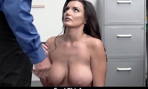 Heavy Tits Mommy Forbidden Stealing Lets Security Creampie Her